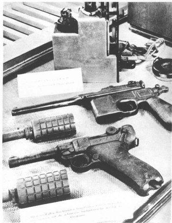poche revolver origine